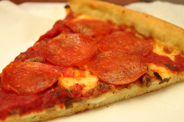 Lefty's Chicago Pizzeria Pepperoni Sausage Deep Crust