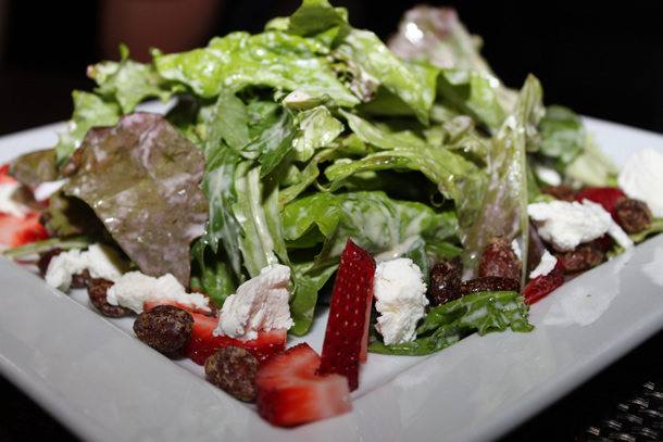 Blue Ribbon Artisan Pizzeria Baby Greens Salad