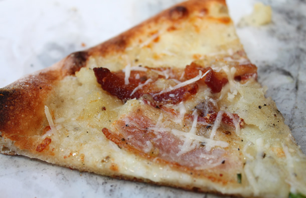 Basic Bacon and Mashed Potato Pizza