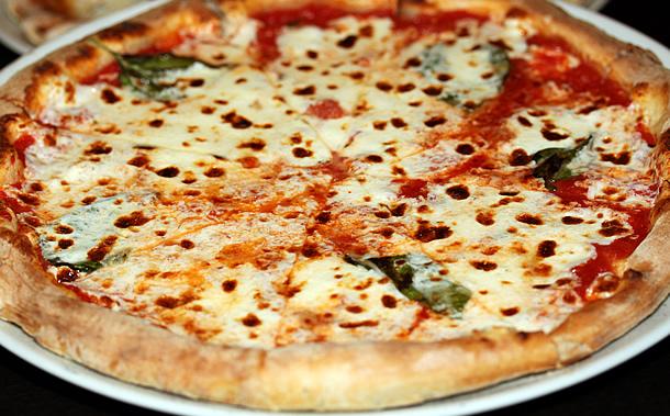 Olio Pizzeria - Margherita Pizza