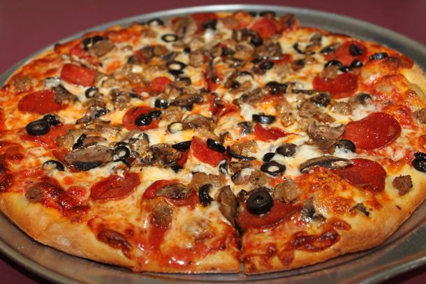 Manhattan Giant Pizza Encinitas California Food Smackdown
